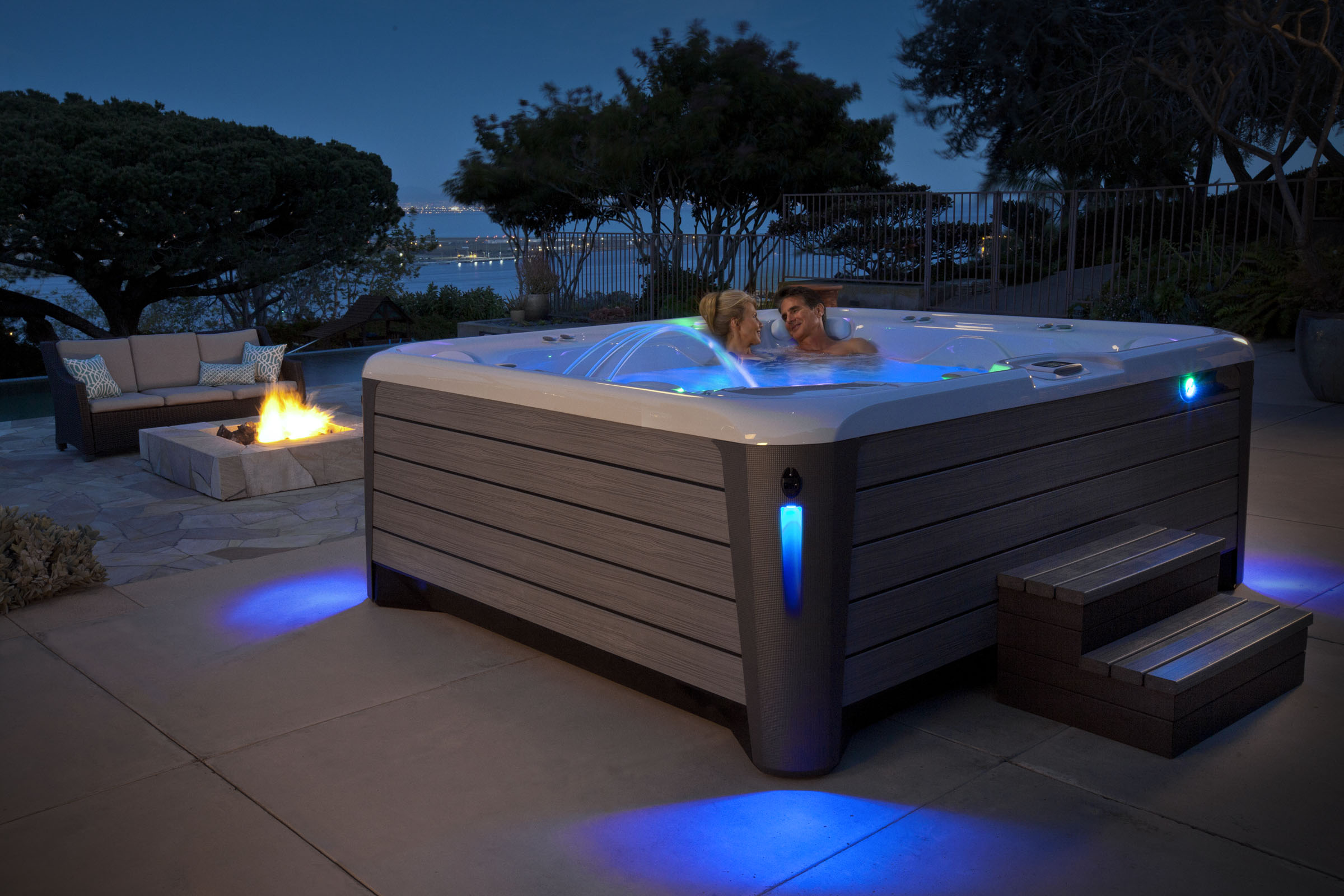 Purchase A Hot Tub & Receive a FREE Big Green Egg